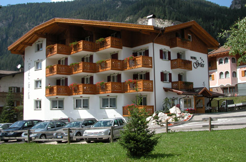 3 stars Superior Hotels in Canazei (***S) Canazei: Hotel Gries