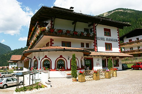 3 stars Superior Hotels in Canazei (***S) Canazei: Hotel Jan Maria