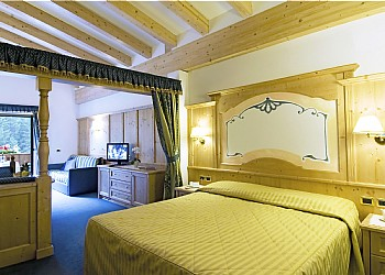 3 stars Superior Hotels in Canazei (***S) in Canazei - Junior Suite - Photo ID 196